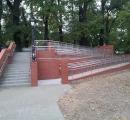 Przebudowa schodów, budowa pochylni wraz z oświetleniem przy wjeździe do parku miejskiego (w Koźlu)